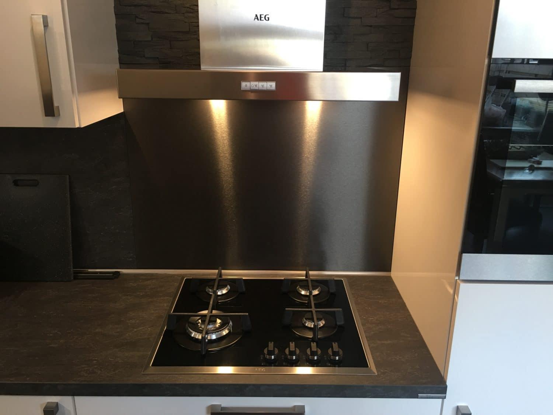 Achterwand keuken zwart