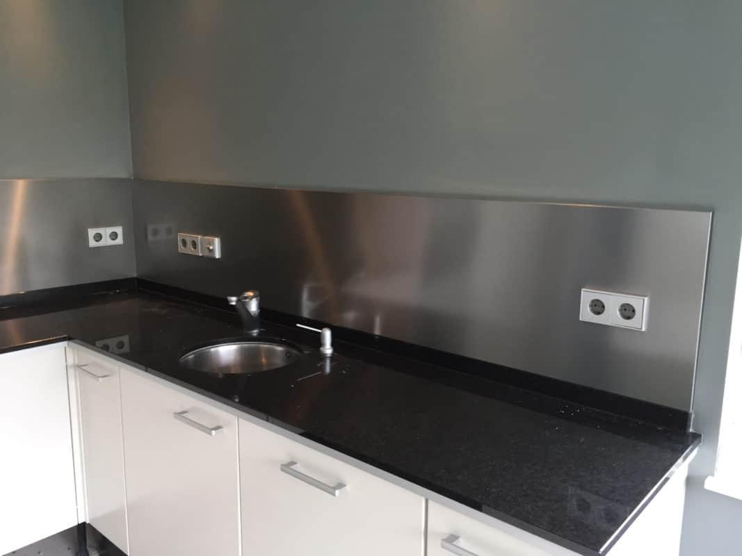 Glad Keuken Achterwand : Rvs keuken achterwanden rvs achterwand